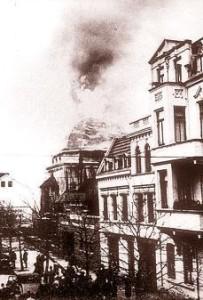 Brennende Synagoge in Wilhelmshaven. Quelle: Jüdische Gemeinden