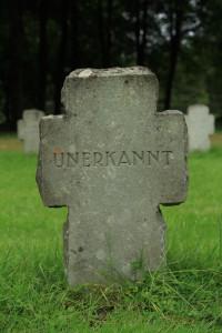 Soldatengrab, 1. WK, Ehrenfriedhof Wilhelmshaven. Foto: I. Zwoch