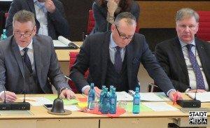 Von links: Rasvorsitzender Stefan Becker, Oberbürgermeister Andreas Wagner und 1. Stadtrat Jens Stoffers | Foto: Ulf Bernert