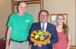 Foto v.l.: Ulf Berner (Kreisvorstandssprecher), Michael von den Berg (OB-Kandidat), Antje Kloster (Kreisvorstandssprecherin) (Foto: Grüne WHV