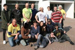 Die Mannschaft und einige Helfer - Foto: GPS